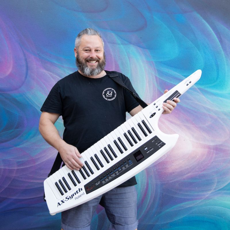 Jono playing keytar